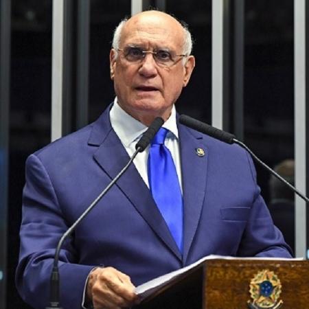 Lasier Martins citou pressão e afirmou que não vai aceitar mais emendas ao parecer - Jefferson Rody/Agência Senado