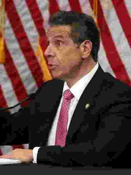 """Segundo governador de Nova York, Andrew Cuomo, meta era ficar abaixo de 100 mortes por dia: """"Isso mostra que estamos progredindo"""" - Al Bello/Getty Images"""