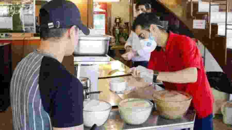 Restaurantes puderam reabrir a partir do final de maio no Irã - Getty Images