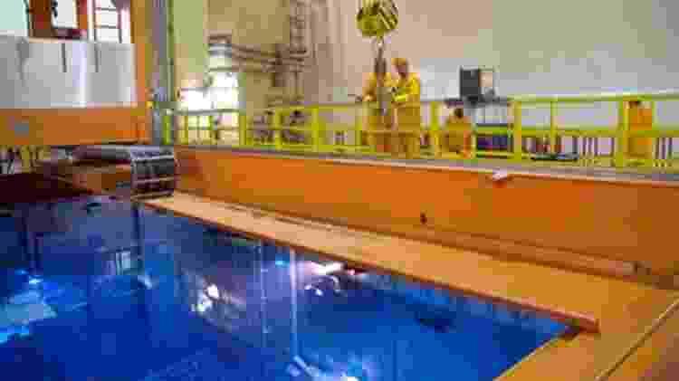 Imagem mostra a piscina com combustível usado no reator de Angra II. - Divulgação/Eletronuclear - Divulgação/Eletronuclear