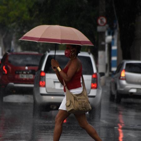 Chuva deixa regiões de São Paulo em estado de atenção para alagamentos - RONALDO SILVA/ESTADÃO CONTEÚDO