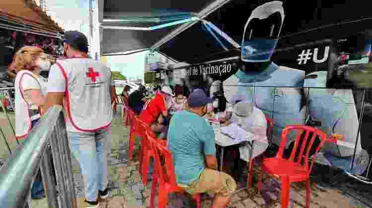 Membros da Cruz Vermelha - Carlos Madeiro/UOL - Carlos Madeiro/UOL