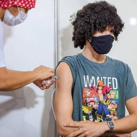 Adolescente de 17 anos é vacinado contra a covid-19 em São Luís - Prefeitura de São Luís/Divulgação