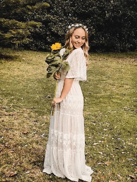 Patricia vestida de noiva para celebrar o amor-próprio - Reprodução/Instagram/@tricias_take
