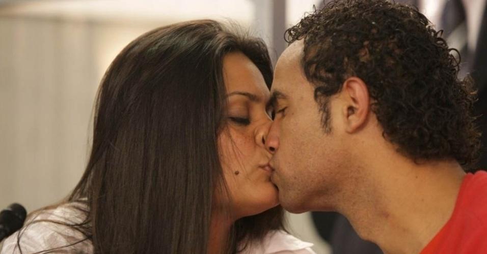 Goleiro Bruno e esposa