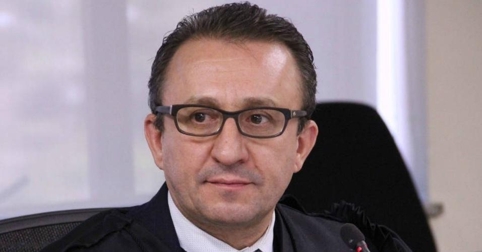 Desembargador do TRF-4   PGR pede inquérito por prevaricação contra Favreto no STJ