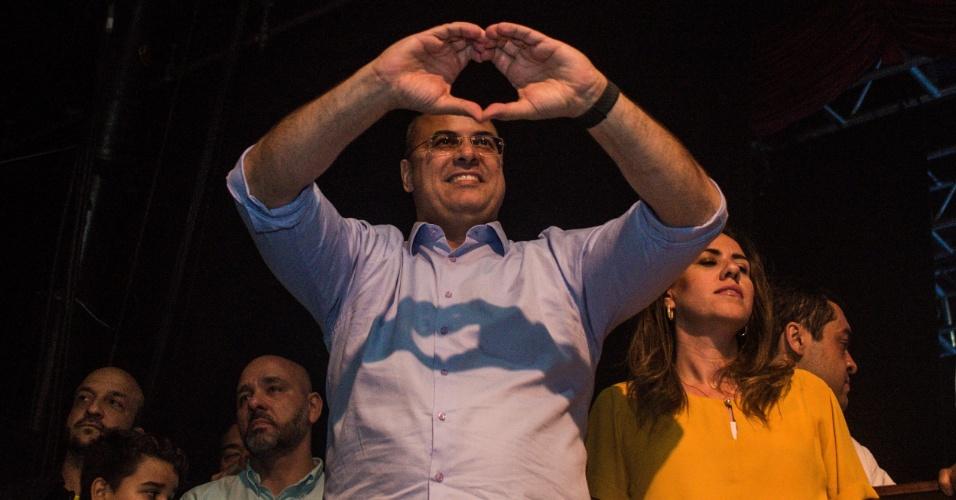 28.out.2018 - Governador eleito do Rio de Janeiro Wilson Witzel (PSC) comemora a vitória, na Barra da Tijuda, zona oeste do Rio. Witzel obteve 59,87% dos votos válidos, contra 40,13% de Eduardo Paes (DEM)