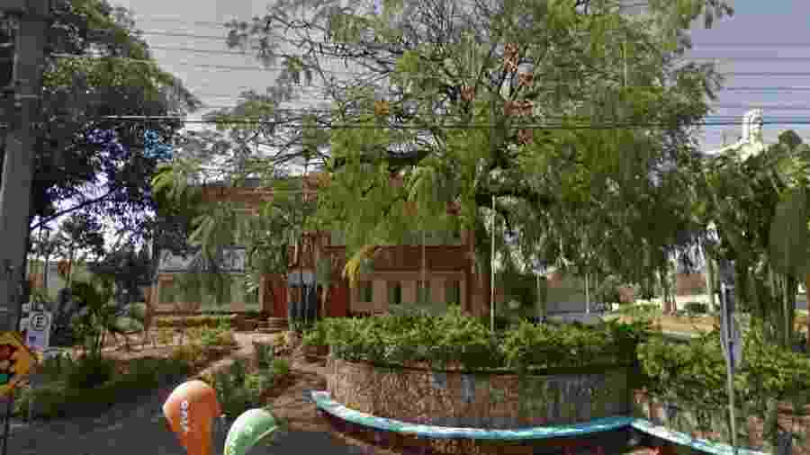 A casa de repouso, no bairro Vila Maceno, abriga cerca de 50 idosos - Reprodução/Google Street View