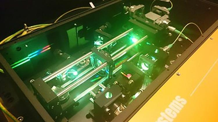 """Pente de frequências a laser, que aumentou a visão do """"caçador de planetas"""" - Divulgação"""