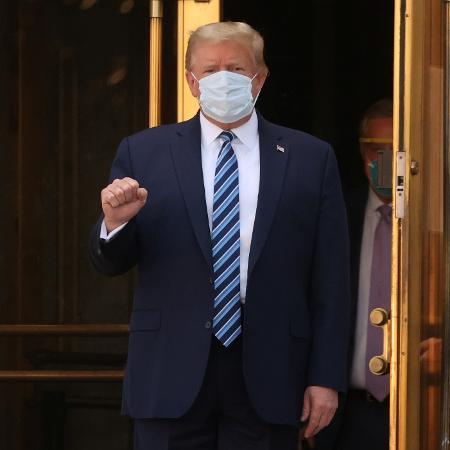 Donald Trump deixa o hospital e retorna à Casa Branca após ser internado por covid-19 - REUTERS/Jonathan