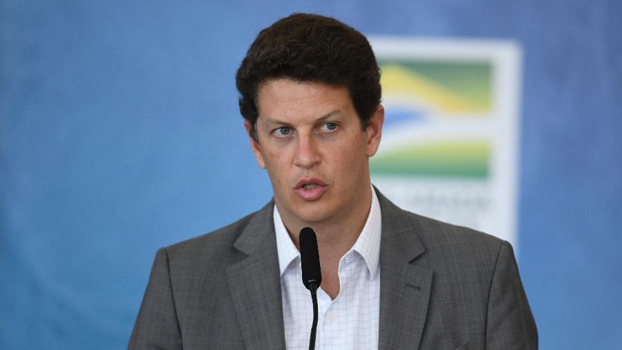 """""""Nos pareceu que a conduta toda [de Ricardo Salles] favorecia os criminosos"""", disse o delegado Alexandre Saraiva - Mateus Bonomi/AGIF/Estadão Conteúdo"""