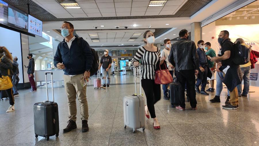 Barreiras sanitárias são instaladas no Aeroporto de Congonhas, em São Paulo - Renato Cerqueira/Estadão Conteúdo