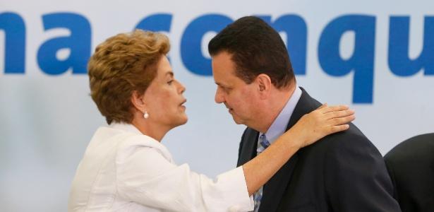 Dilma e Gilberto Kassab durante evento no final de março