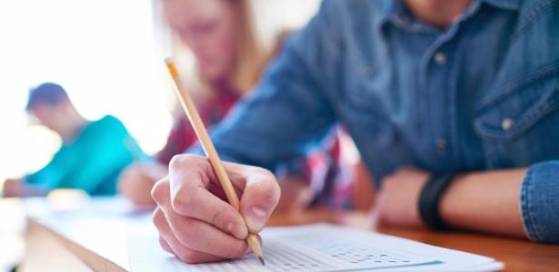 Relatório aponta que 80,8% dos estudantes brasileiros afirmaram se sentir ansiosos em relação a uma prova ou teste, mesmo estando bem preparados