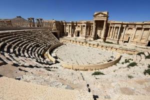 Autoridades sírias afirmam que EI voltou a danificar antiguidades em Palmira (Foto: Joseph Eid/AFP)