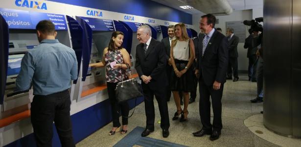 No início da manhã, o presidente Michel Temer visitou uma agência