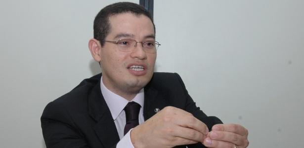 O juiz e professor de direito Bruno Azevedo, pioneiro no uso de tornozeleira eletrônica