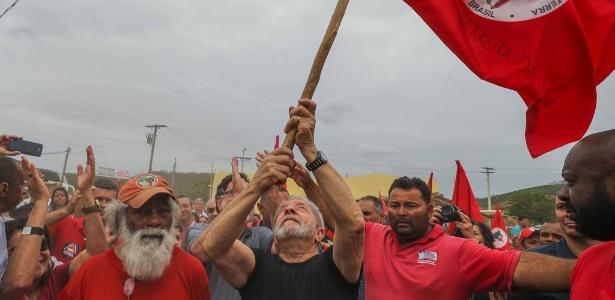 Lula esteve em Governador Valadares, em Minas Gerais, na terça-feira (24). Hoje (25) ele visitará a cidade de Itinga