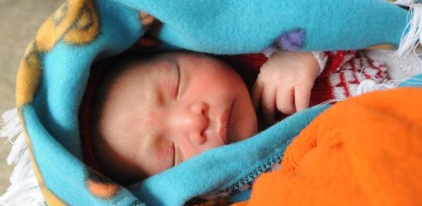 Recém-nascido de apenas 1 dia de idade, em Cobán, na Guatemala