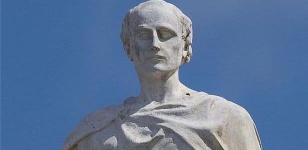 Alcuíno, criador de desafios que deram origem à análise combinatória, era considerado o homem mais sábio do mundo - BBC