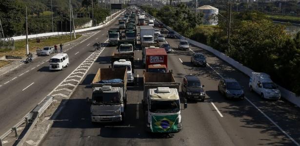 Protesto de caminhoneiros contra aumento dos combustíveis, em São Paulo - Miguel Schincariol/AFP Photo