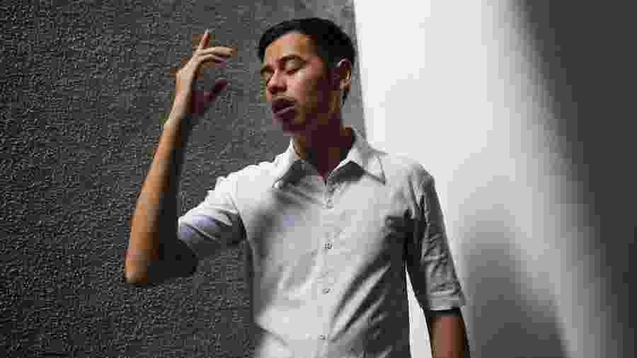 Surya Sagetapy é surdo e traduz o Alcorão para a língua de sinais da Indonésia - Ed Wray/The New York Times