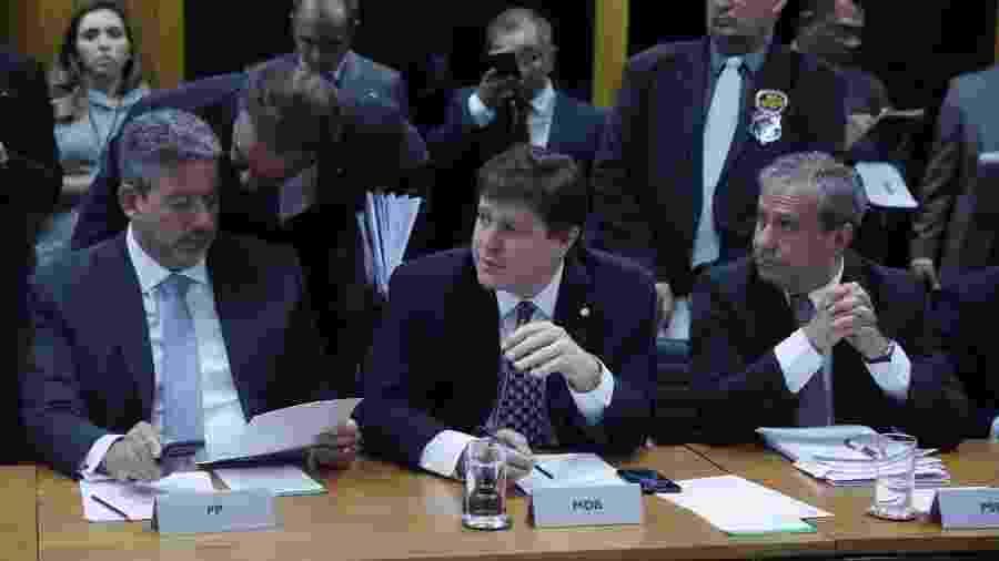 Ao centro, o presidente do MDB deputado Baleia Rossi (SP). À sua direita, Arthur Lira (PP), um dos líderes do centrão - J.Batista/Câmara dos Deputados