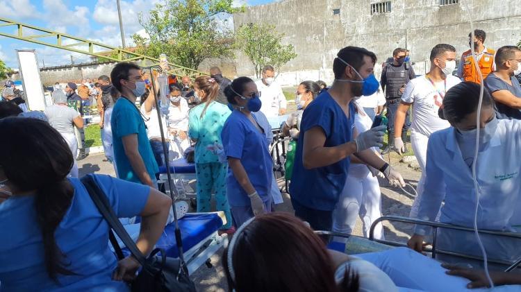 Pacientes são evacuados do Hospital Doutor Nestor Piva, em Aracaju - Magna Santana/Divulgação - Magna Santana/Divulgação