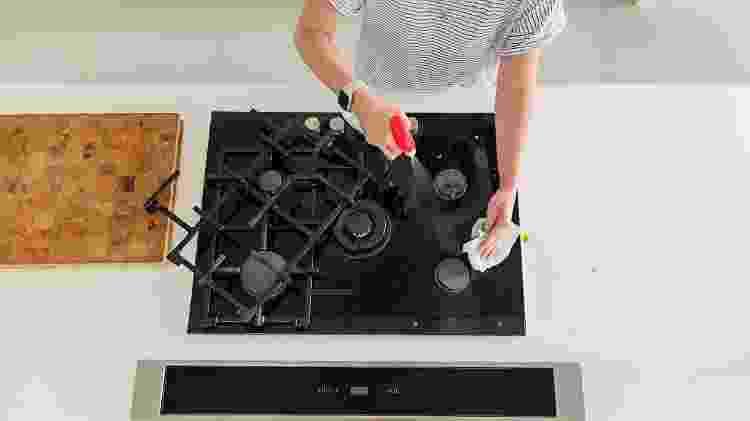 Limpeza de fogão - Getty Images - Getty Images