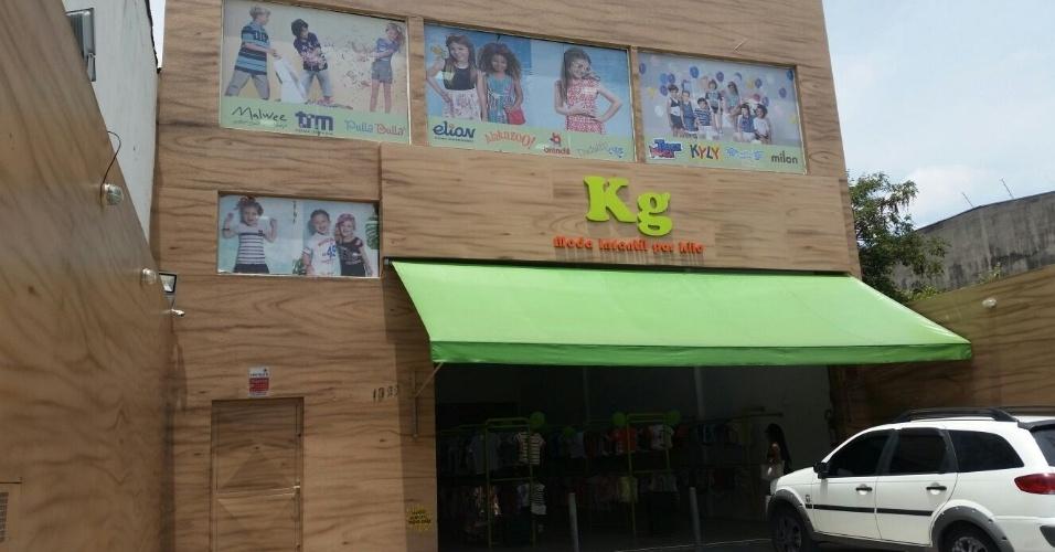 Fachada da loja da KG Moda Infantil por Kilo da Vila Matilde