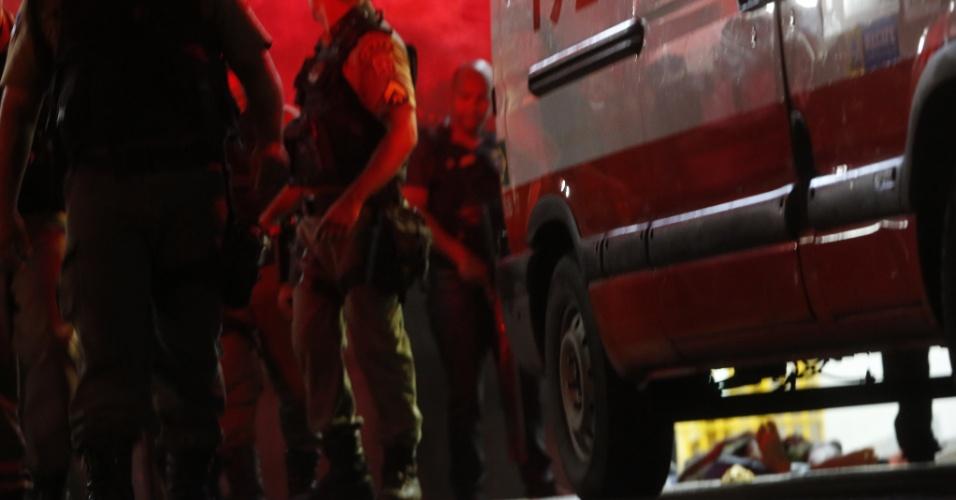 2.jul.2016 - Ao menos dois detentos morreram após rebelião em um dos pavilhões do Complexo Prisional do Curado na madrugada deste sábado (2). O tumulto teria começado por causa da transferência de um detento para outra unidade do sistema