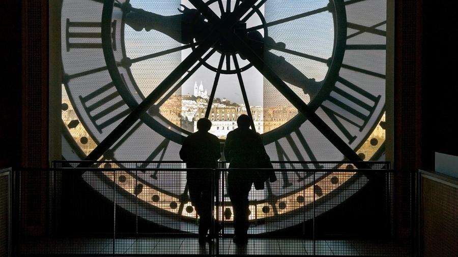 Turistas no Museu de Orsay, que era uma antiga estação de trem em Paris - Steve Raymer/National Geographic Creative