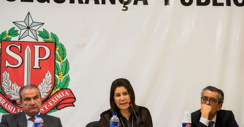 11.nov.2016 - A delegada Elisabete Sato, chefe do DHPP (Departamento Estadual de Homicídios e de Proteção à Pessoa), participa de entrevista coletiva, em São Paulo, para falar da chacina que vitimou cinco jovens, encontrados mortos em Mogi das Cruzes (SP)