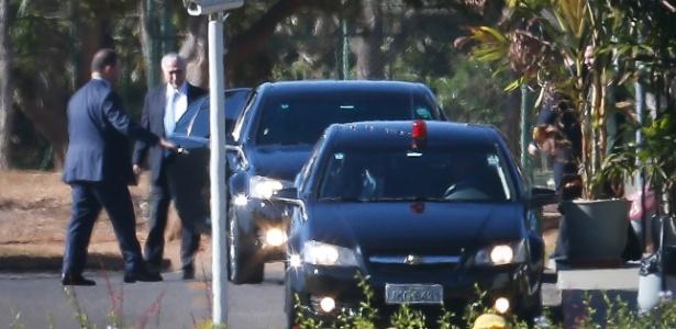 Michel Temer deixa o Palácio do Jaburu, na manhã desta quarta, com destino ao Planalto, em Brasília, para cumprir agenda de trabalho e seguir na articulação da base governista