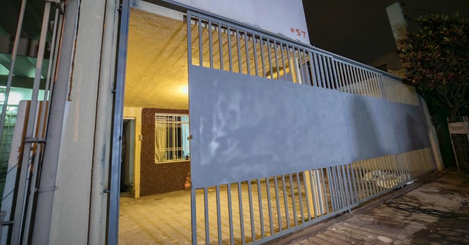 3.out.2017 - Quem passava na frente da casa de número 57 da rua Antônio Buso, na Chácara Santo Antônio, em Santo Amaro zona sul de São Paulo, não poderia imaginar que dela saia um túnel de aproximadamente 600 metros escavado para chegar ao cofre da base de distribuição do Banco do Brasil
