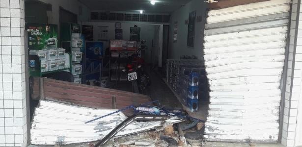 Loja teve porta arrombada e foi saqueada em Natal, RN