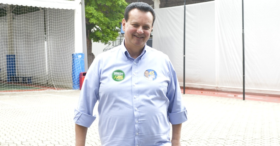 Ex-prefeito de São Paulo, Gilberto Kassab é visto no colégio Santo Américo, no bairro Jardim Colombo em São Paulo, na manhã deste domingo