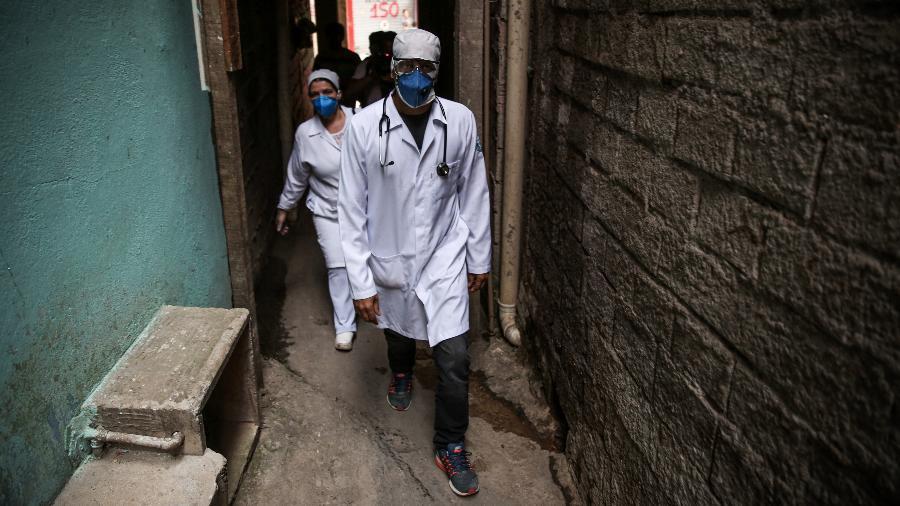 Ferramenta permite que pesquisadores corrijam atraso provocado por demora no processamento de exames - Alexandre Schneider/Getty Images