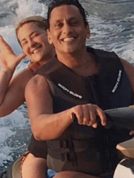 Cristina Boner e Wassef passeiam juntos em jet ski - UOL