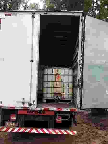 Criminosos adaptavam isotanques dentro caminhões tipo baú para dissimular combustível furtado da Petrobras no Rio de Janeiro - Divulgação/Polícia Civil - Divulgação/Polícia Civil