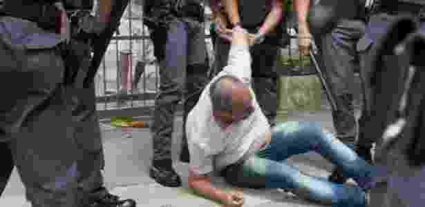 Confusão começou porque policiais começaram a anotar nomes de estudantes - Erick Florio/Futura Press/Estadão Conteúdo