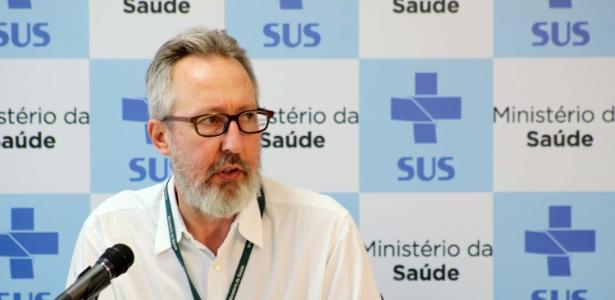 Claudio Maierovitch, do Departamento de Vigilância de Doenças Transmissíveis, divulgou boletim com 1.248 casos de microcefalia
