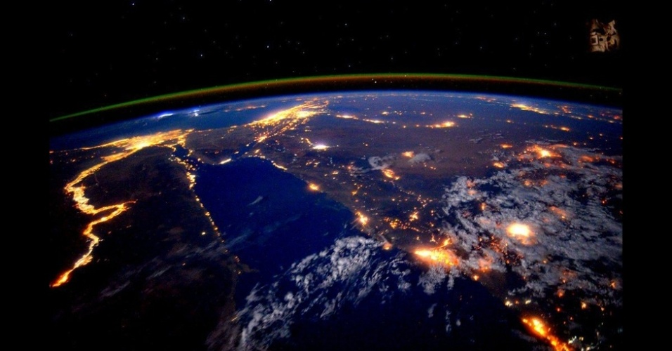 2.mar.2016 - Após passar um ano no Espaço, o astronauta Scott Kelly voltou à Terra. Da Estação Espacial Internacional, Scott compartilhou imagens fantásticas de nosso planeta via Twitter e Instagram, além de vídeos mostrando a rotina no Espaço. Veja uma seleção de algumas das melhores fotos