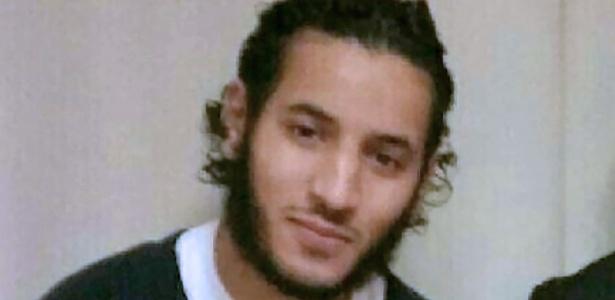 Larossi Abballa, 25, que esfaqueou um policial e sua mulher nos arredores de Paris