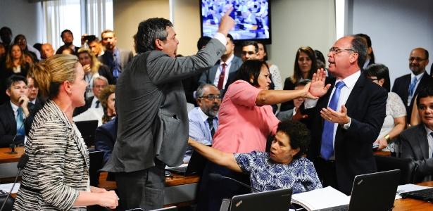 Reunião da Comissão de Assuntos Econômicos foi encerrada após confusão - Marcos Oliveira/Agência Senado