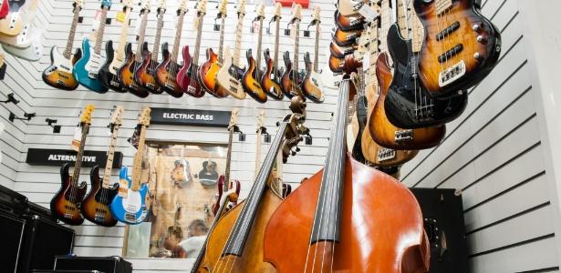 Desde 1997, o Brasil importou 53 mil guitarras e contrabaixos da Coreia do Norte