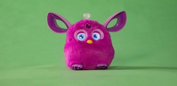 O boneco de pelúcia Furby Connect, vulnerável a um eventual ataque de hackers - Tony Cenicola/The New York Times
