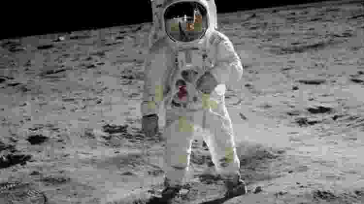 O americano Buzz Aldrin foi um dos austronautas caminhou sobre a Lua - NASA