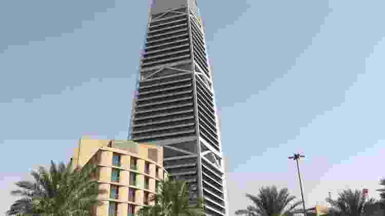 Arquitetura em cidades sauditas tem mistura de prédios modernos e tradicionais. - Diogo Schelp/UOL - Diogo Schelp/UOL