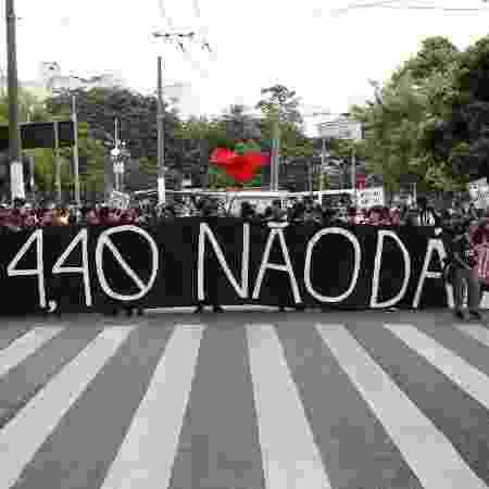 Manifestantes participam do quarto protesto do Movimento Passe Livre (MPL) contra o aumento na tarifa do transporte público em São Paulo - Isabela Naiara/Photopress/Estadão Conteúdo